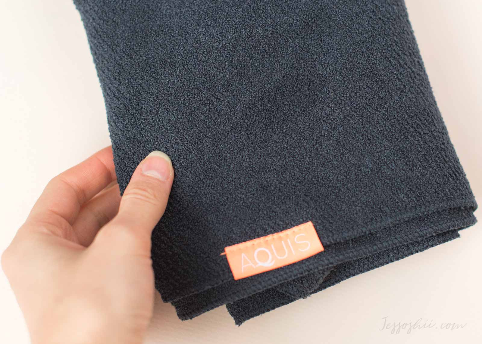 Aquis Lisse Luxe Hair Towel review, how to 4