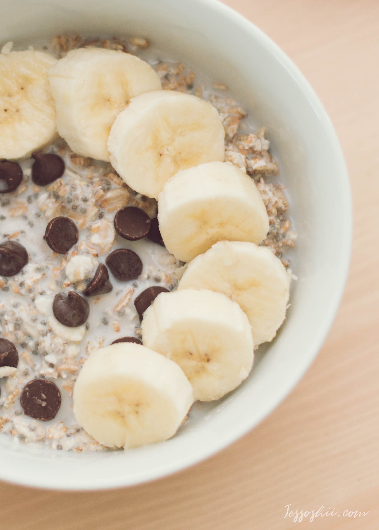 banana chocolate chips overnight oats recipe 9