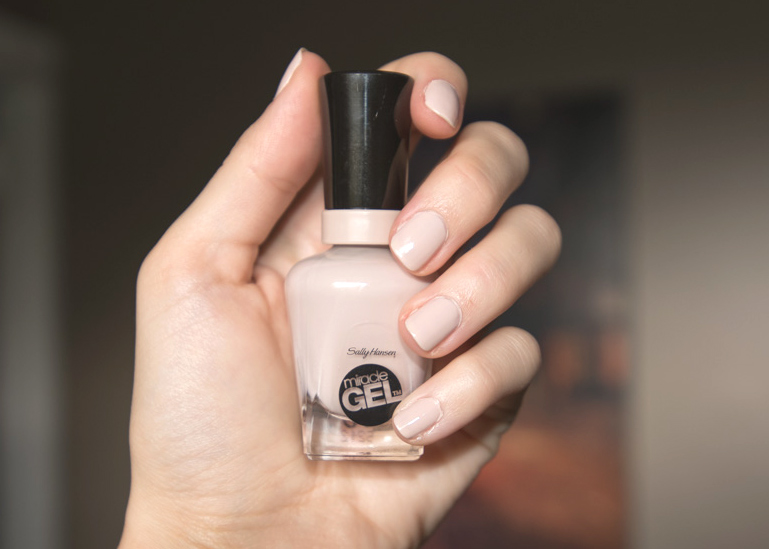 Sally Hansen Miracle Gel Birthday Suit