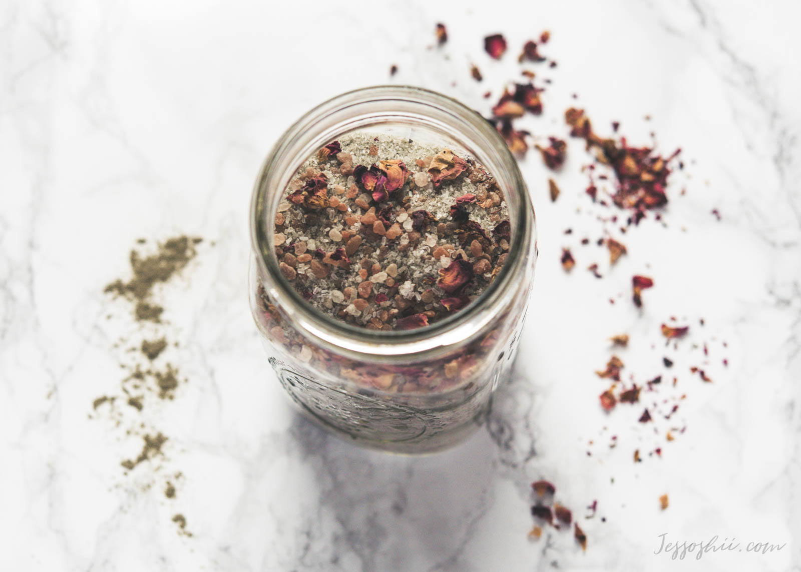 DIY Rose Petals & Sea Salt Detox Bath Soak in Jar